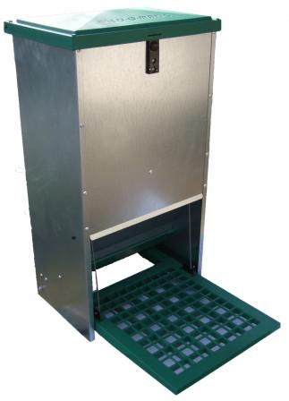 Feedomatic 12Kg Galvanised Treadle Feeder